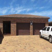 Lovely 2 Bedroom to rent in Uitzicht Durbanville